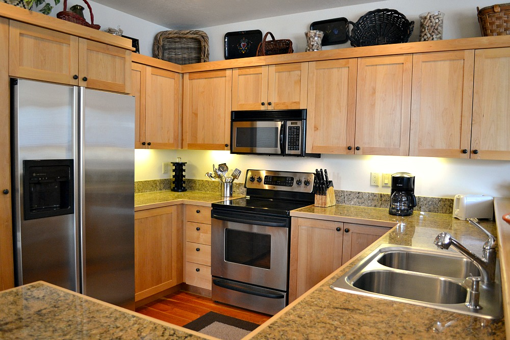 Moose creek townhome investments in jackson hole wy for Kitchen jackson hole